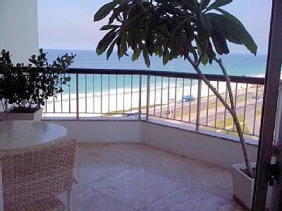 Varanda com vista para praia