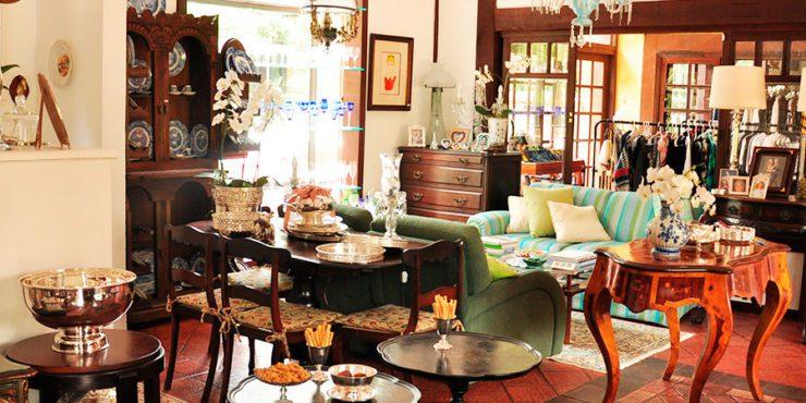 Brocante: Café e Antiquário